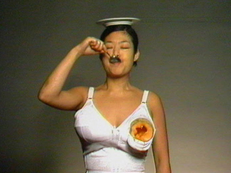 Patti Chang, Melons (at a loss), 1998, single channel video, sound, 3:44. Courtesy the artist.