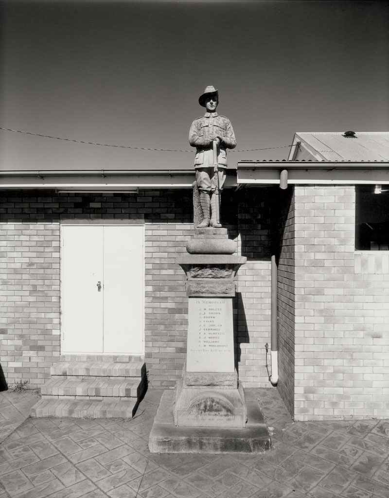 Laurence Aberhart, War Memorial, Westbrook, 1997, silver gelatin and selenium-toned photograph. Courtesy the artist and Darren Knight Gallery
