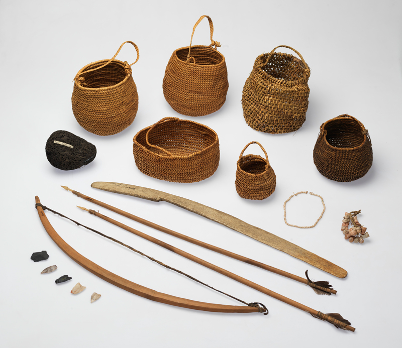 Various stab [close-weave baskets] made by Yamu Kauau and Kanuks, the wives of Aia putilla schanaiensis (Domingo), and a series of tools by unrecorded makers collected from Navarino Island, May 1929. Photo: Jon Augier, Museums Victoria