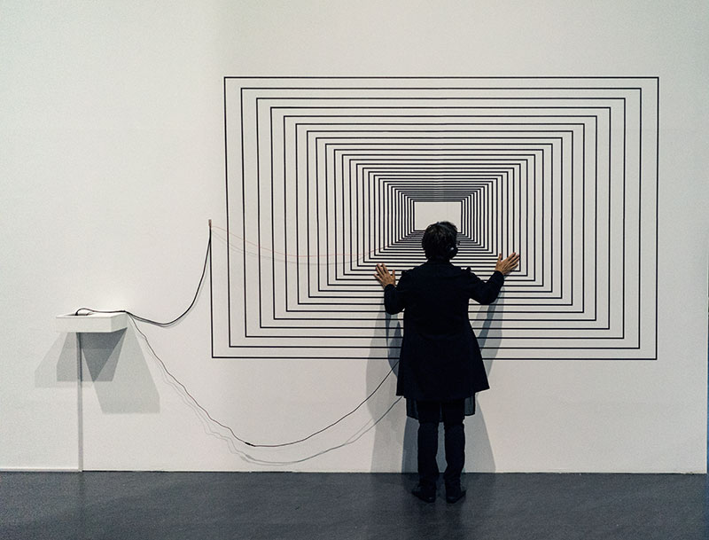 Joyce Hinterding, Monotone Rectilinear, 2016, installation view, Nam June Park Centre, Korea